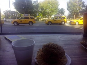 Первое фото, сделанное в Америке. Завтрак в отеле на Манхэттене