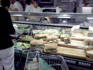Сэндвичи в магазине, $9 за 454 грамма