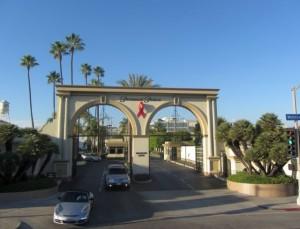 Ворота студии Paramount Pictures